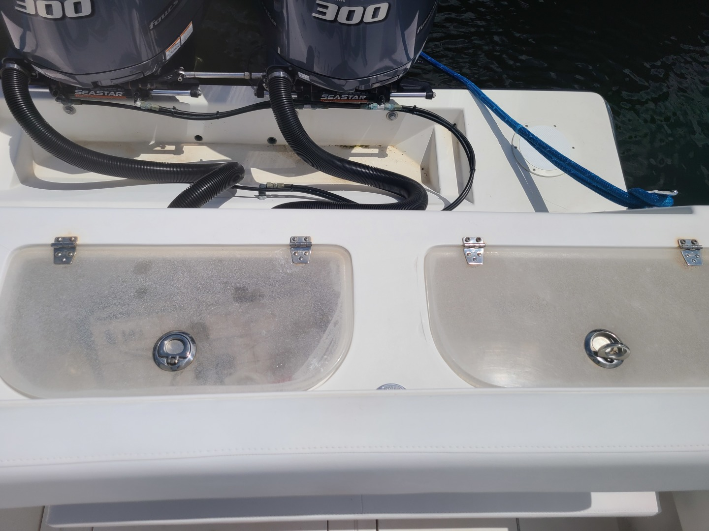 Contender-31 Center Console 2002-No Name Miami-Florida-United States-2020 31 Contender -Live Wells-1494855 | Thumbnail
