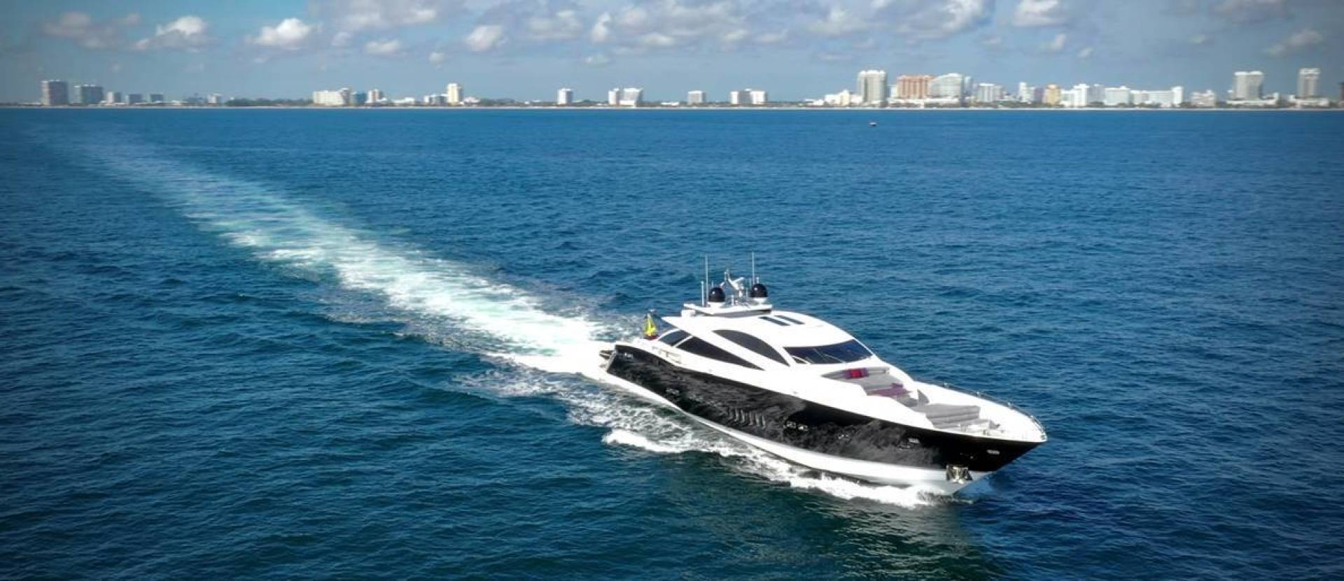 Sunseeker-Predator 2008-Double D Fort Lauderdale-Florida-United States-1501081 | Thumbnail