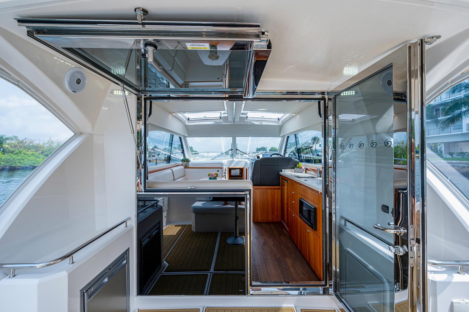 Riviera-3600 Sport Yacht 2017 -Staten Island-New York-United States-1496400 | Thumbnail