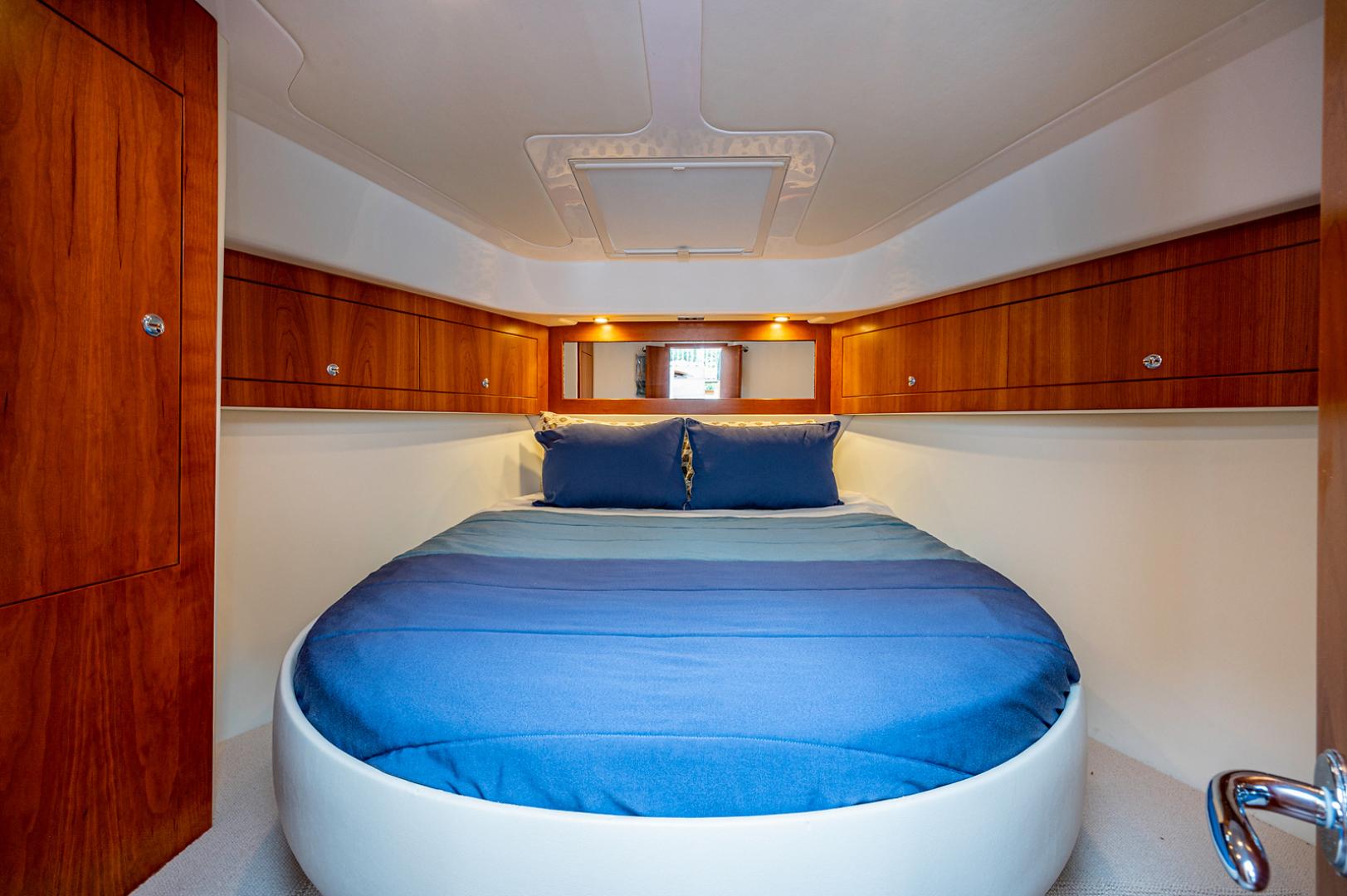 Riviera-3600 Sport Yacht 2017 -Staten Island-New York-United States-1496412 | Thumbnail