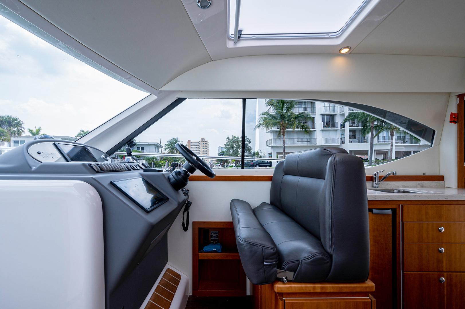 Riviera-3600 Sport Yacht 2017 -Staten Island-New York-United States-1496425 | Thumbnail
