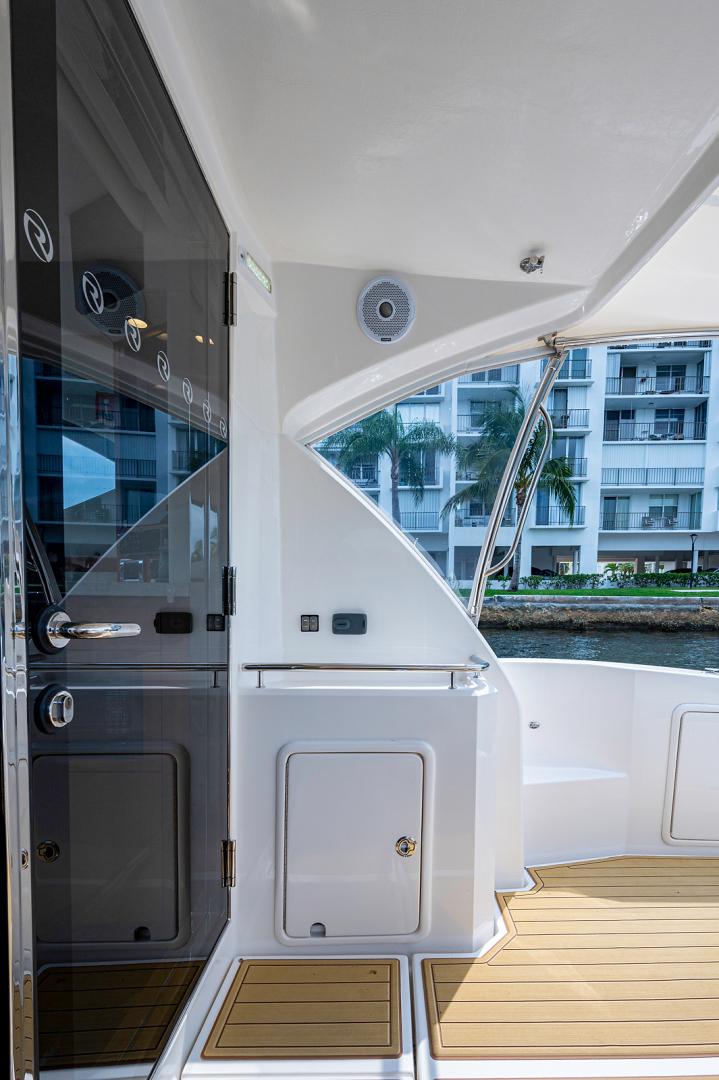Riviera-3600 Sport Yacht 2017 -Staten Island-New York-United States-1496404 | Thumbnail