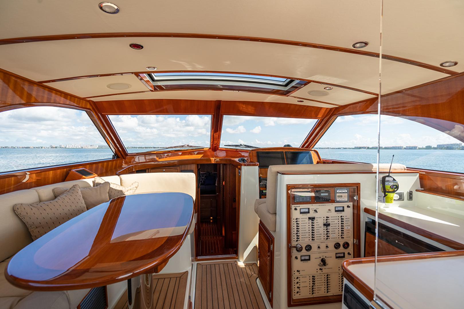 San Juan-SJ48 Express 2006 FEARLESS Saint Petersburg-Florida-United States-Salon/helm area view 3-1498299 | Thumbnail