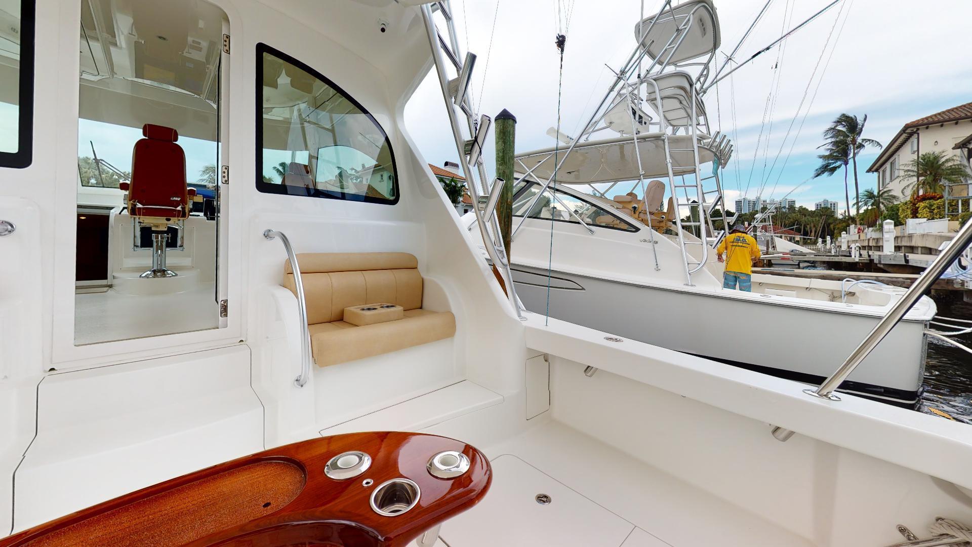 Viking-Sport Tower 2019-Salt Shaker II North Palm Beach-Florida-United States-Cockpit-1498717 | Thumbnail