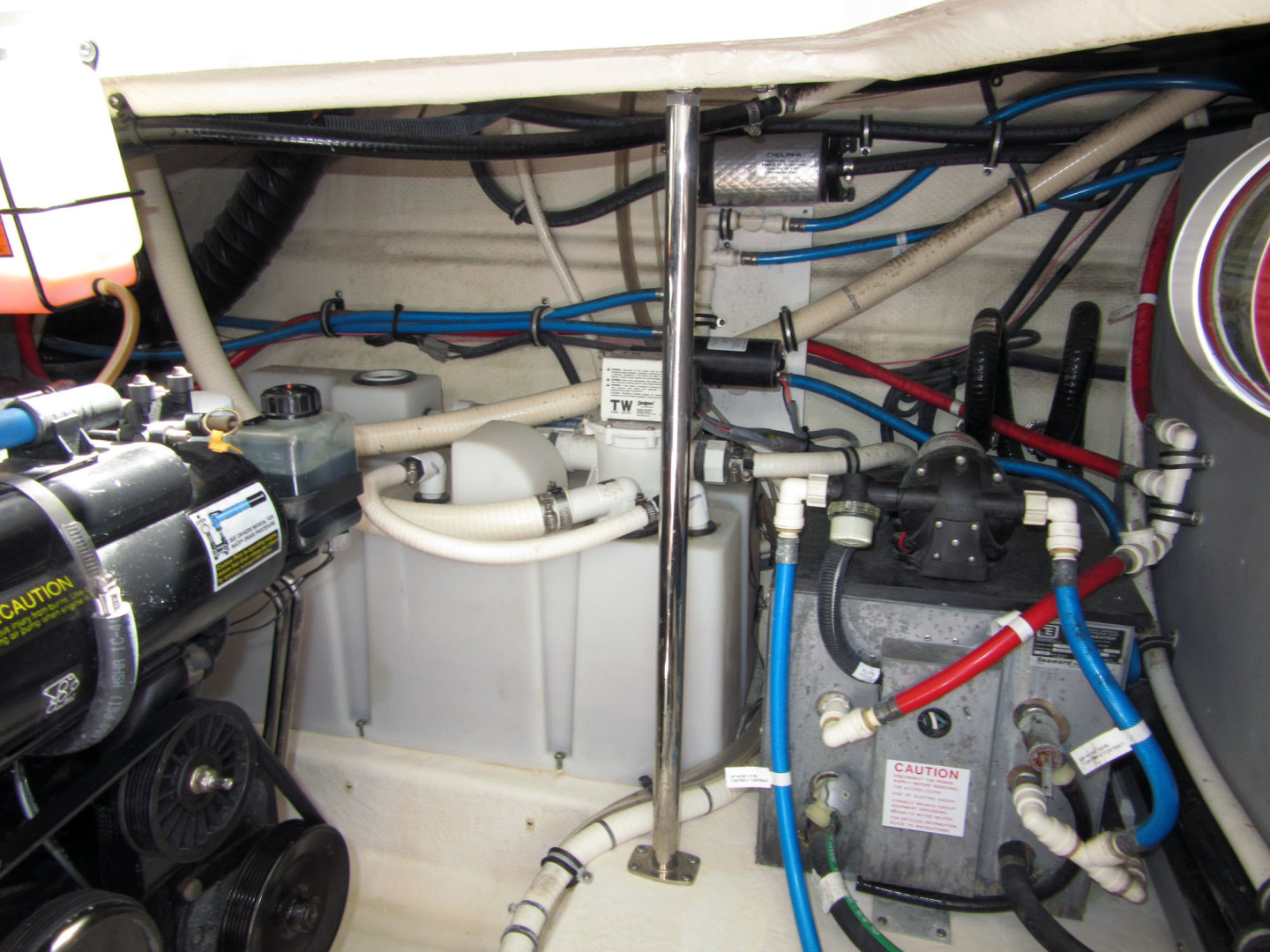 Monterey-355 Sport Yacht 2014-Sunset Serenity St. Petersburg-Florida-United States-Holding And Hot Water-1498616   Thumbnail