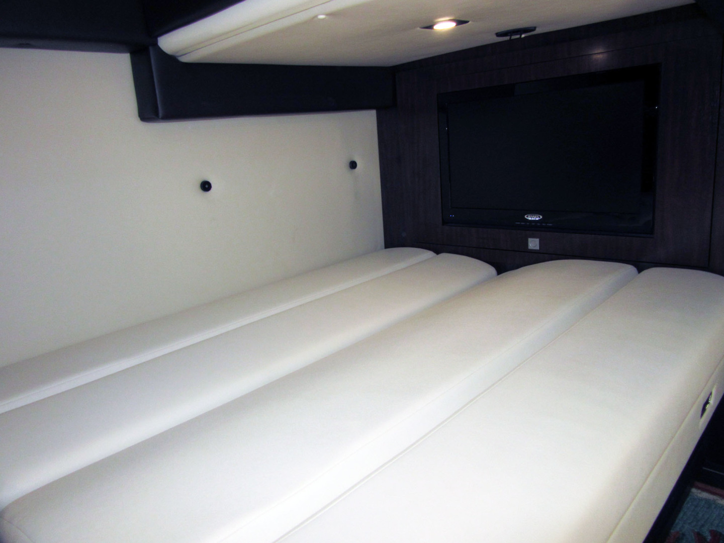 Monterey-355 Sport Yacht 2014-Sunset Serenity St. Petersburg-Florida-United States-Mid Guest Berth-1498590   Thumbnail