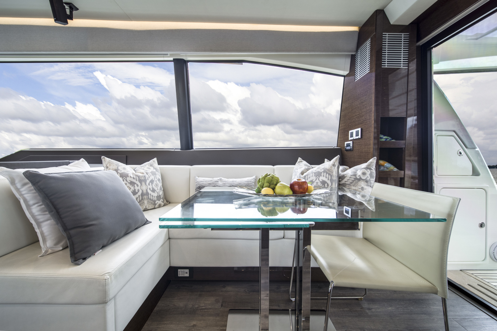 Prestige-680 Flybridge 2018-Seduction Sarasota-Florida-United States-2018 68 Prestige 680 Flybridge  Dining-1498915 | Thumbnail