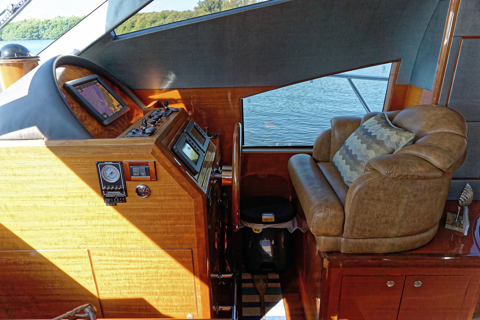 Ocean Alexander-Veloce 2007-SEARENITY Coral Gables-Florida-United States-Helm-1499199 | Thumbnail