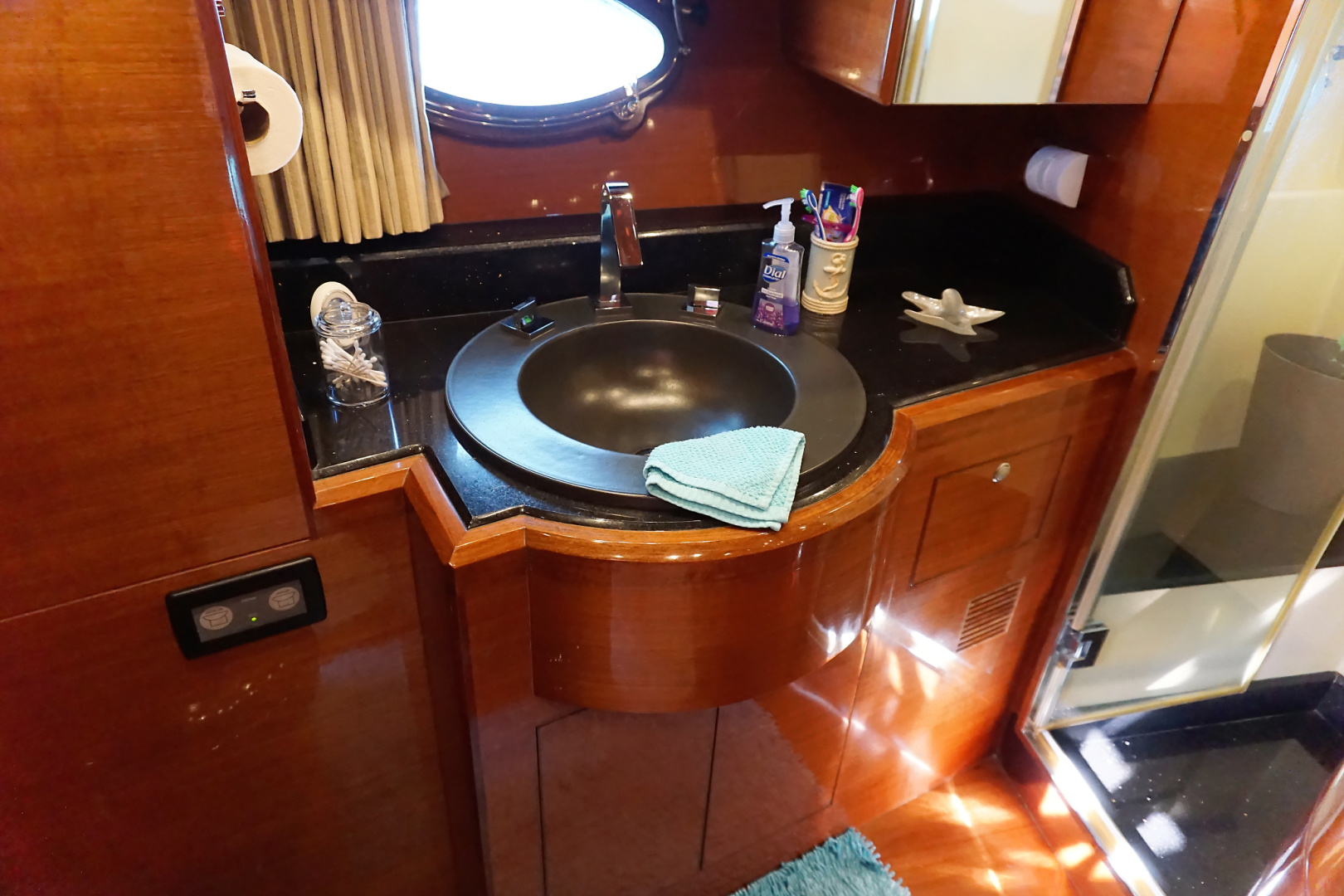 Ocean Alexander-Veloce 2007-SEARENITY Coral Gables-Florida-United States-Guest Stateroom Head-1499196 | Thumbnail