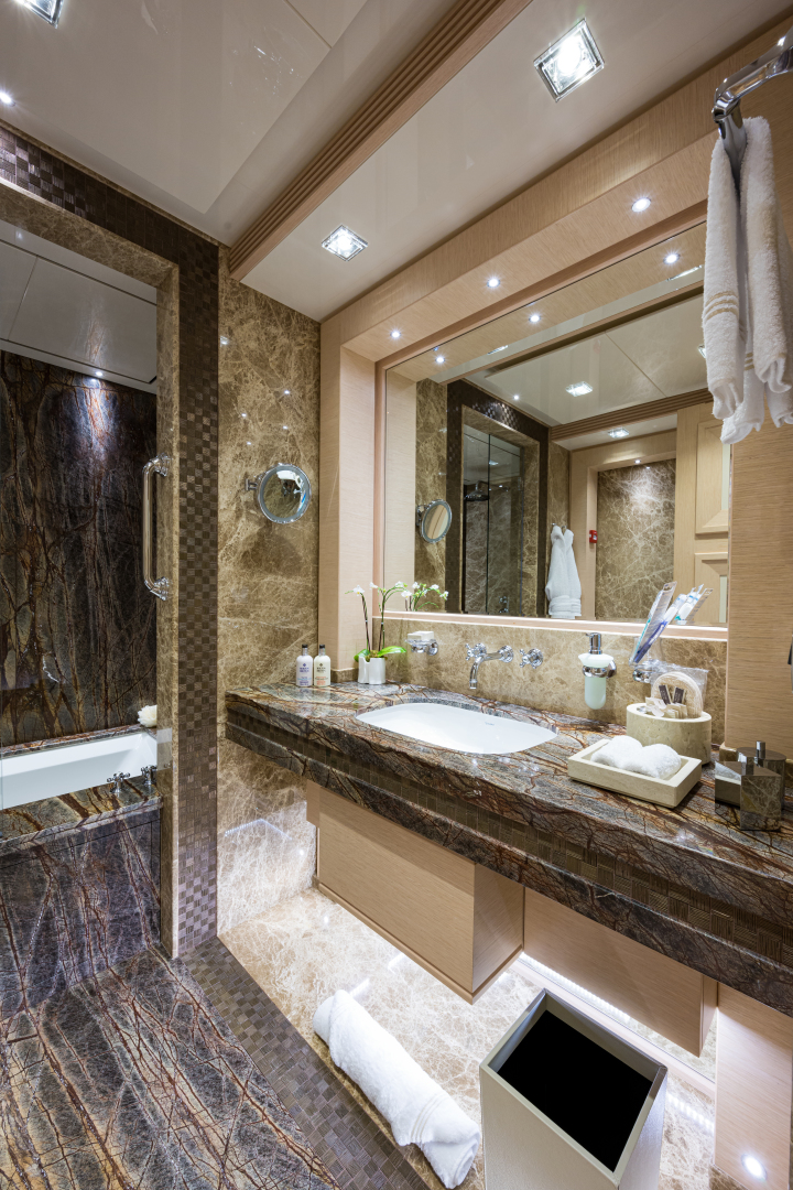Turquoise 2012-QUANTUM OF SOLACE West Palm Beach-Florida-United States-Port Guest VIP Bathroom with Tub-1572154 | Thumbnail