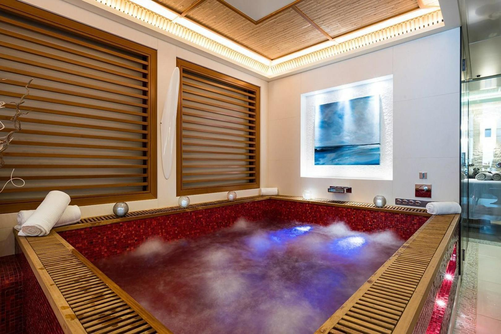 Turquoise 2012-QUANTUM OF SOLACE West Palm Beach-Florida-United States-Spa Hot Tub-1499665 | Thumbnail