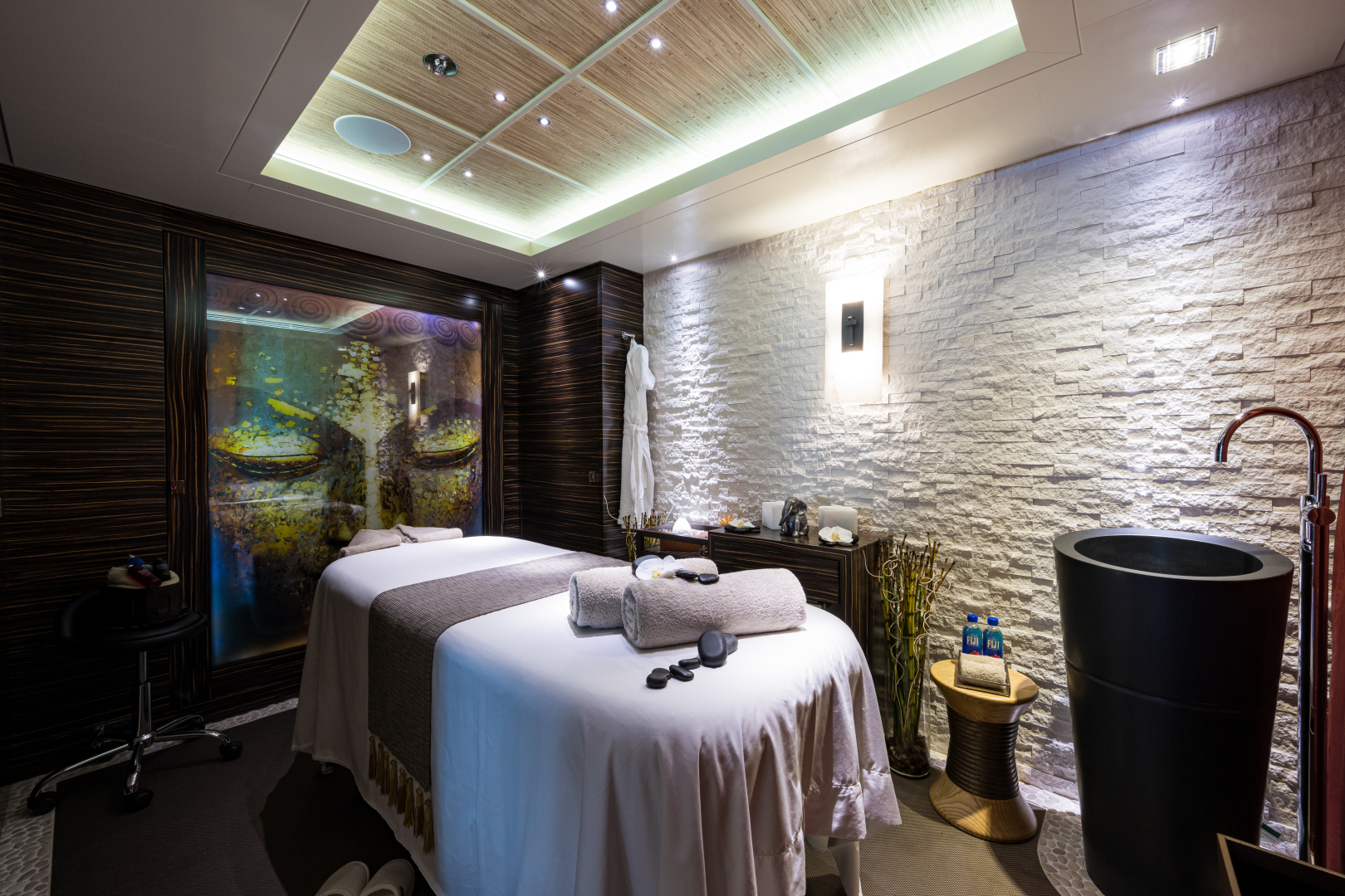 Turquoise 2012-QUANTUM OF SOLACE West Palm Beach-Florida-United States-Spa Therapy Room-1572102 | Thumbnail