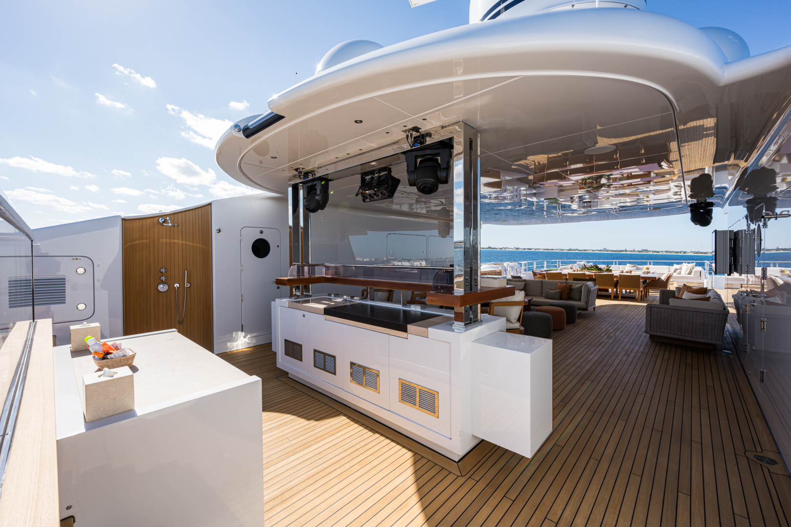 Turquoise 2012-QUANTUM OF SOLACE West Palm Beach-Florida-United States-Sundeck Looking Aft-1572187 | Thumbnail