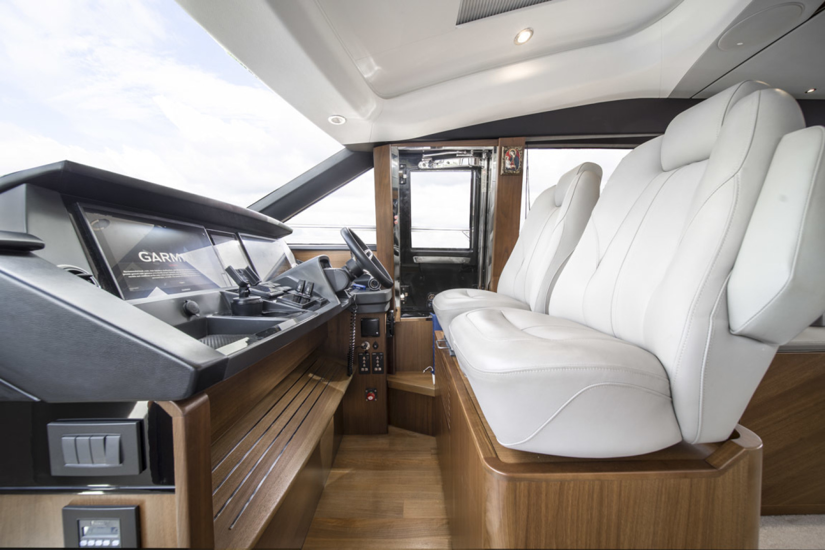 Princess-S65 2019-Paragon Cape Coral-Florida-United States-2019 65 Princess S65-Paragon-Helm Seating-1509917 | Thumbnail