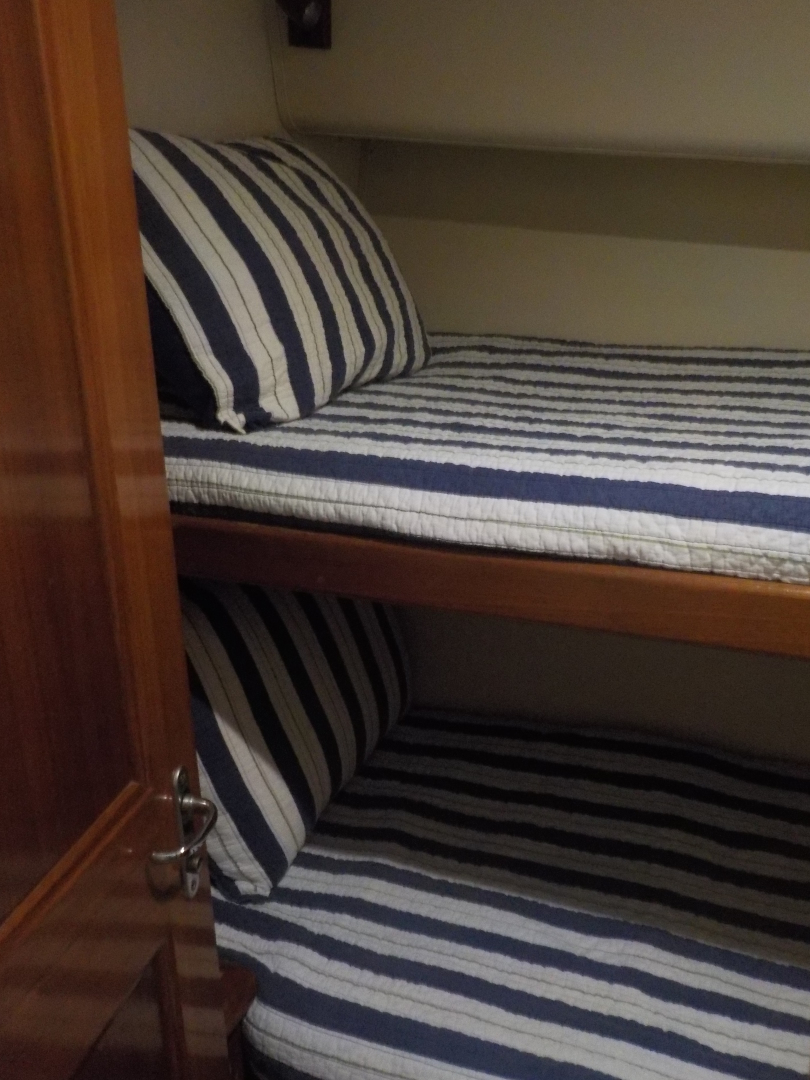 Viking-Convertible 1995-Royal Fortune Fort Lauderdale-Florida-United States-Guest Stateroom 2-1512477 | Thumbnail