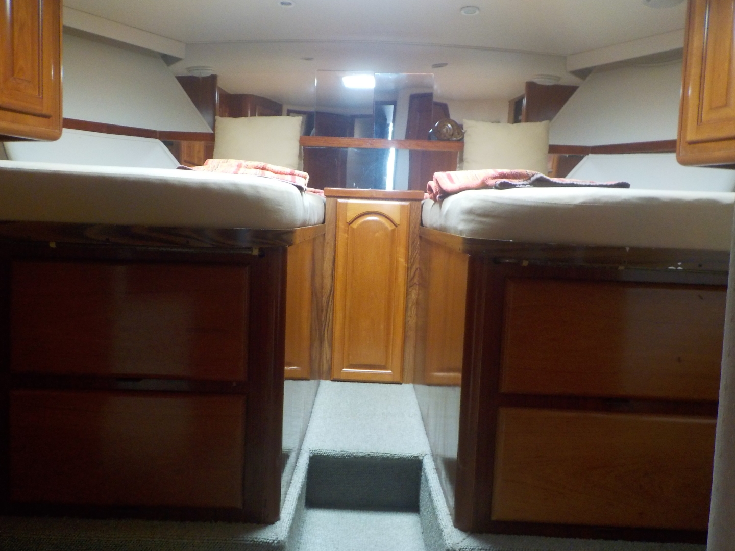 Viking-Convertible 1995-Royal Fortune Fort Lauderdale-Florida-United States-Guest Stateroom-1512469 | Thumbnail