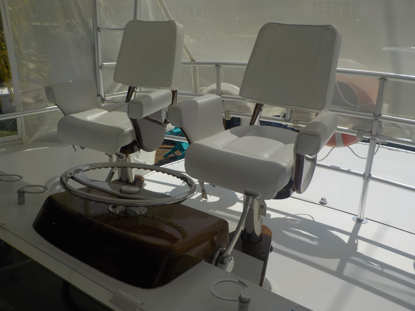 Viking-Convertible 1995-Royal Fortune Fort Lauderdale-Florida-United States-Helm Chairs-1512488 | Thumbnail