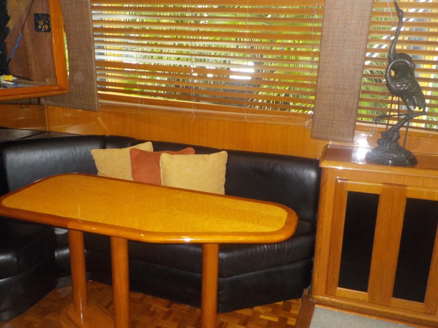 Viking-Convertible 1995-Royal Fortune Fort Lauderdale-Florida-United States-Dinette-1512480 | Thumbnail