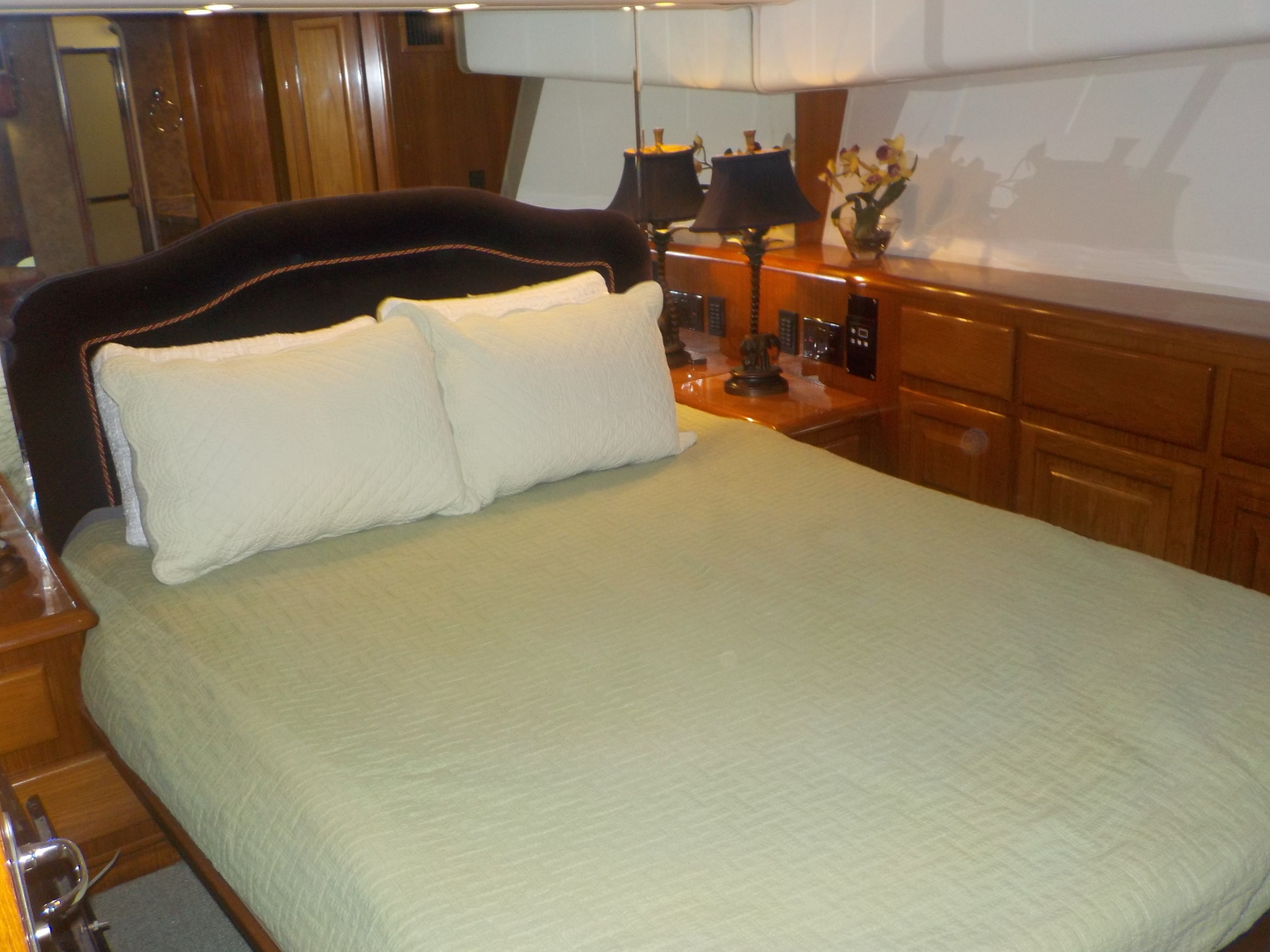 Viking-Convertible 1995-Royal Fortune Fort Lauderdale-Florida-United States-Master Stateroom-1512467 | Thumbnail