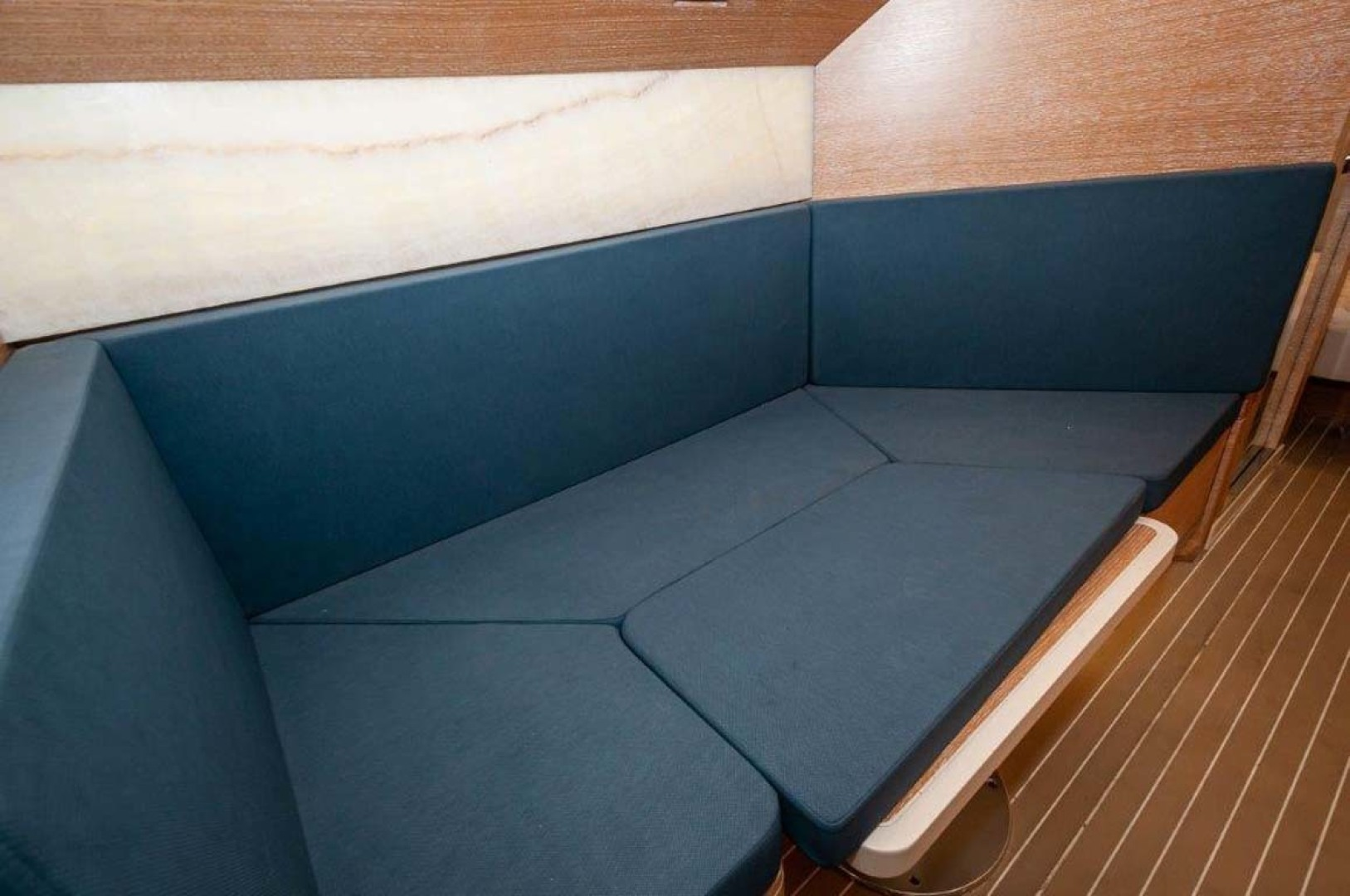 Scout-530 LXF 2020-Crewszing Destin-Florida-United States-Convertible Dinette-1503624 | Thumbnail