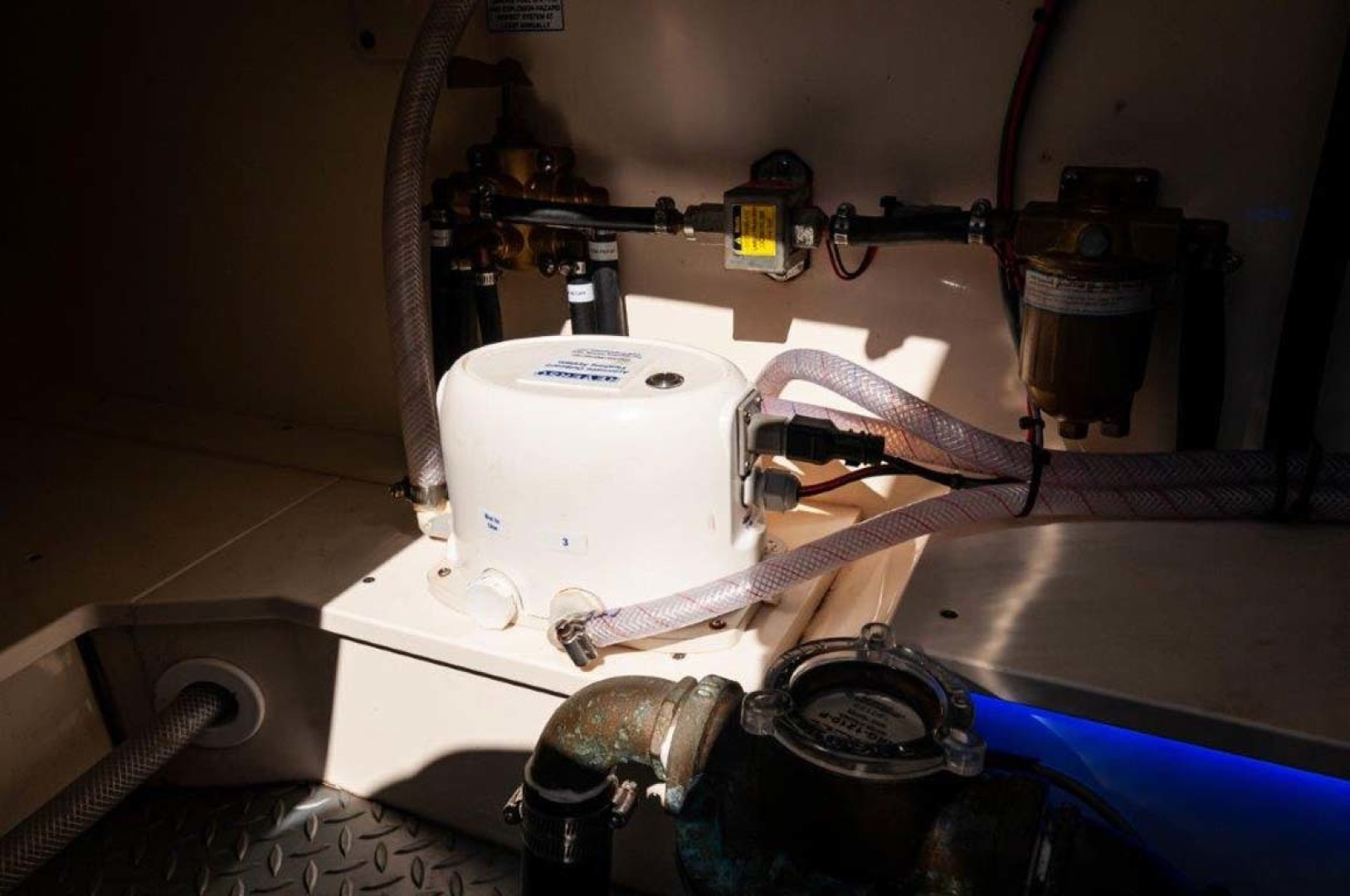 Scout-530 LXF 2020-Crewszing Destin-Florida-United States Outboard Flushing System-1503665 | Thumbnail