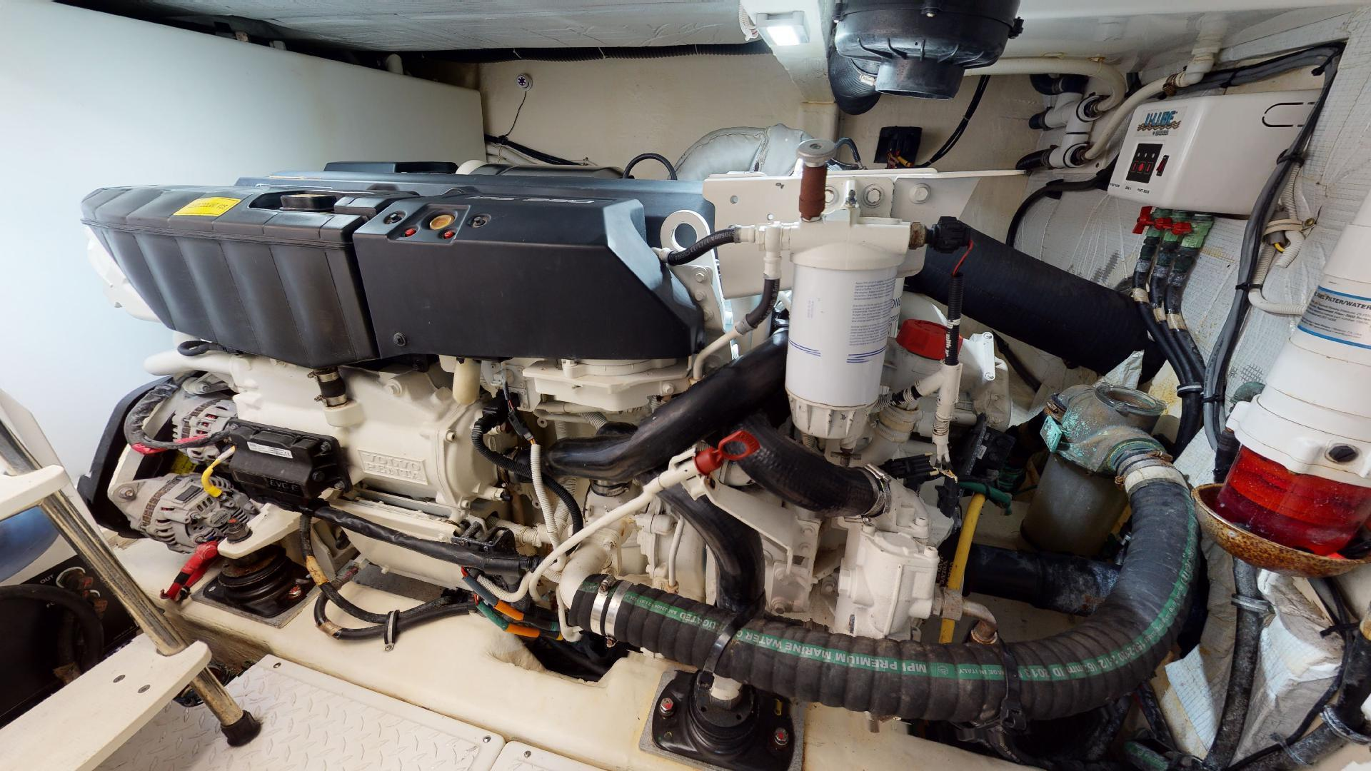Tiara Yachts-50 Flybridge 2015-Khatch You Later North Palm Beach-Florida-United States-Engine Room-1509442 | Thumbnail