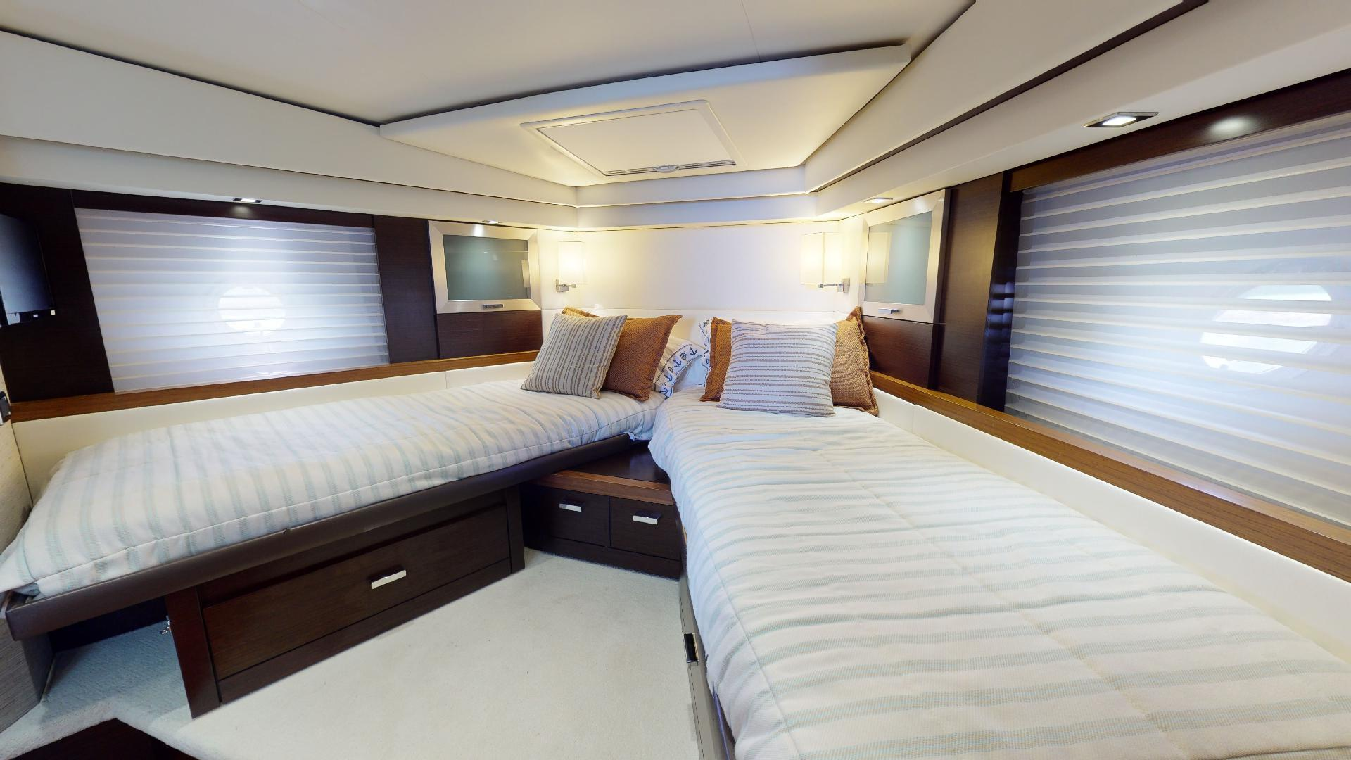Tiara Yachts-50 Flybridge 2015-Khatch You Later North Palm Beach-Florida-United States-Guest Stateroom-1509423 | Thumbnail