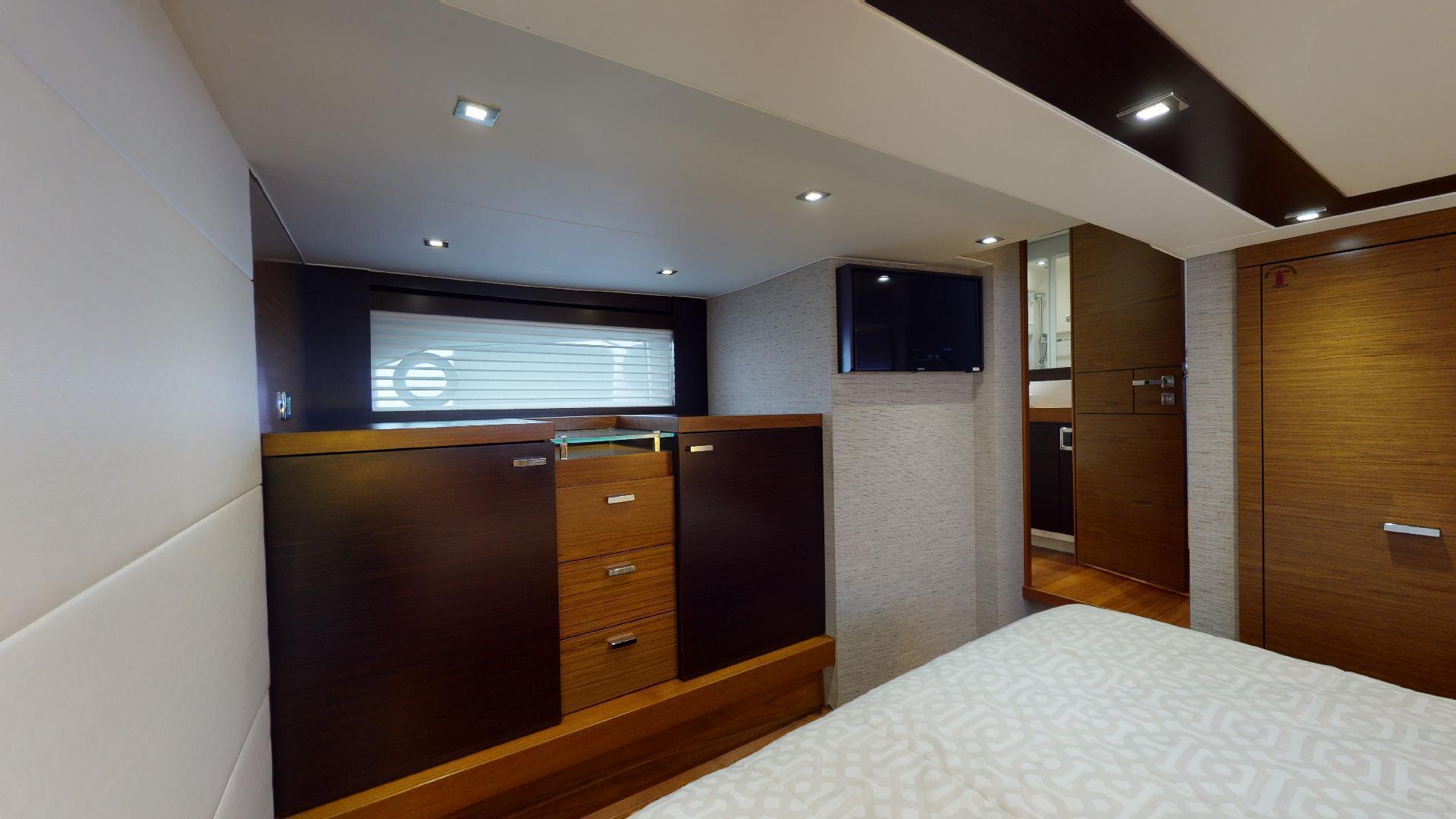 Tiara Yachts-50 Flybridge 2015-Khatch You Later North Palm Beach-Florida-United States-Master Stateroom-1509421 | Thumbnail