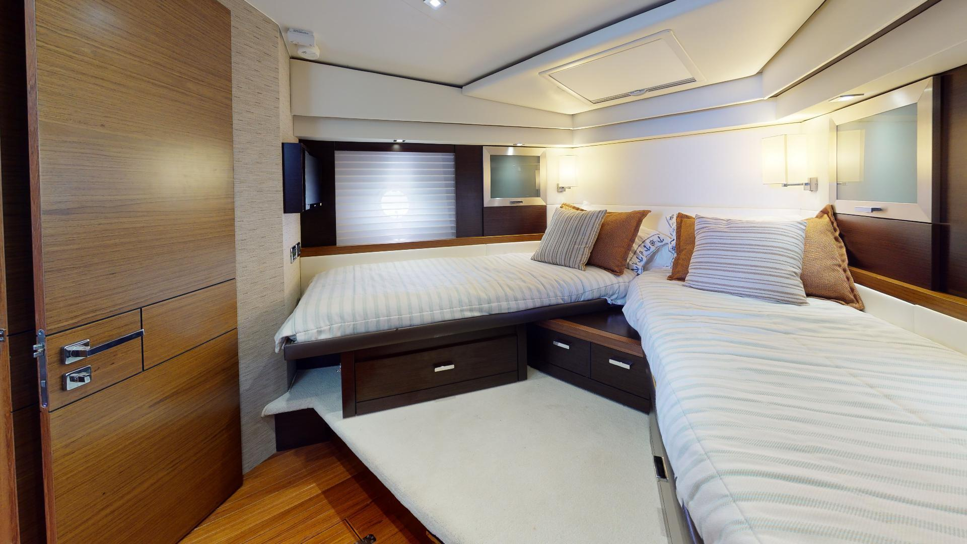 Tiara Yachts-50 Flybridge 2015-Khatch You Later North Palm Beach-Florida-United States-Guest Stateroom-1509425 | Thumbnail
