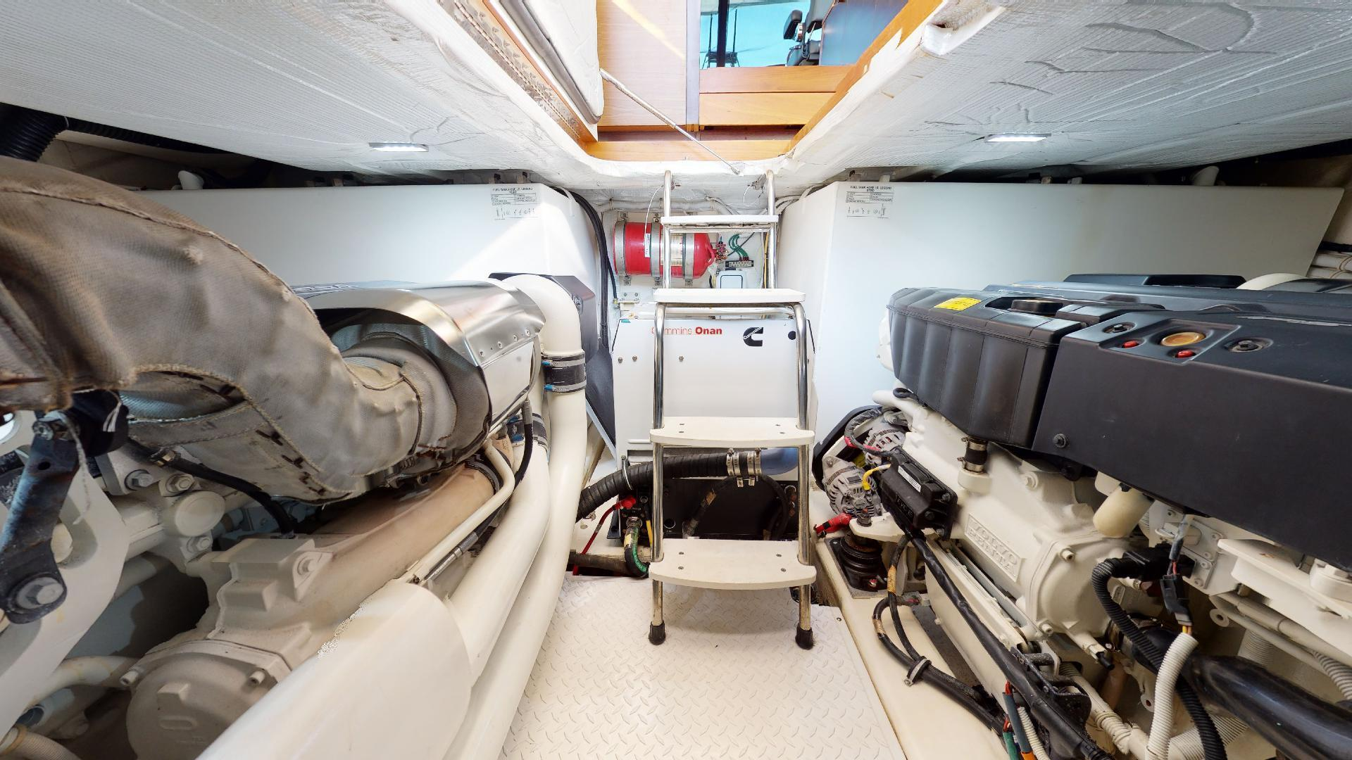 Tiara Yachts-50 Flybridge 2015-Khatch You Later North Palm Beach-Florida-United States-Engine Room-1509443 | Thumbnail
