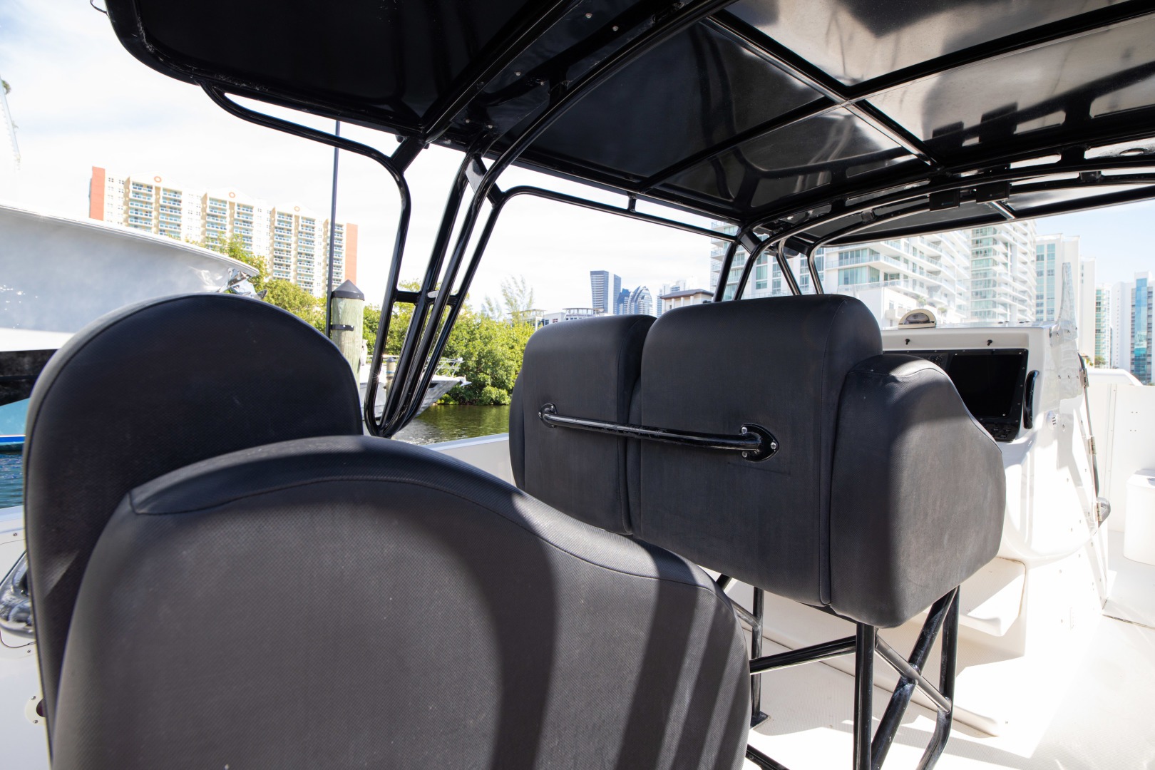 Midnight Express-Open 2002 -Sunny Isles-Florida-United States-Helm Seating-1508157 | Thumbnail