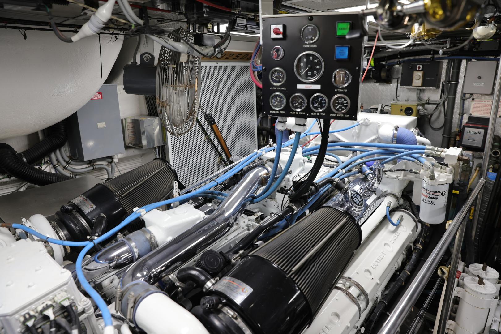 Hatteras-Convertible 1995-LADY LILA Newport Beach-California-United States-ENGINE ROOM-1516278 | Thumbnail