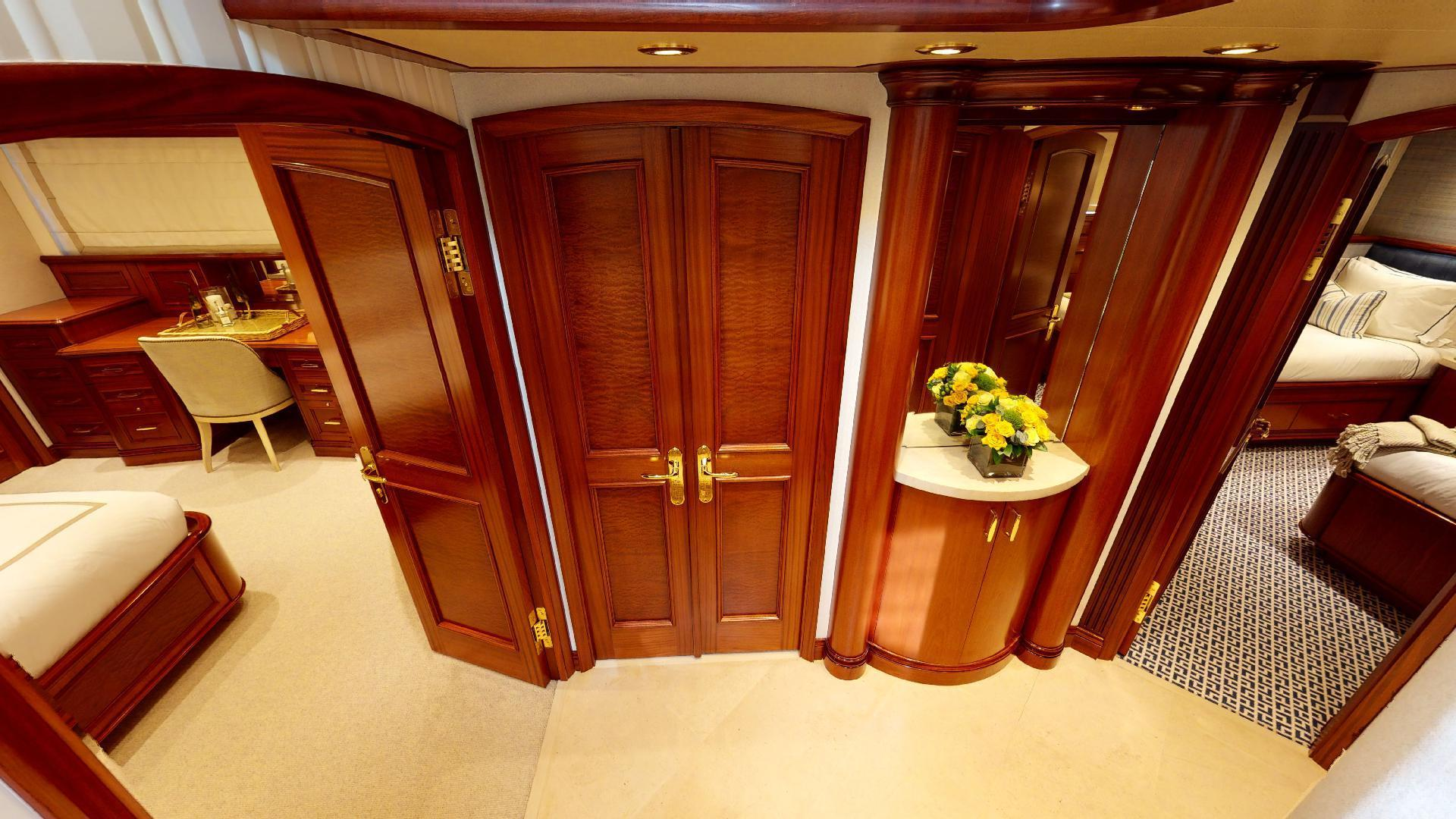 Crescent-Raised Pilothouse 2004-WONDER West Palm Beach-Florida-United States-Guest Foyer-1509999 | Thumbnail