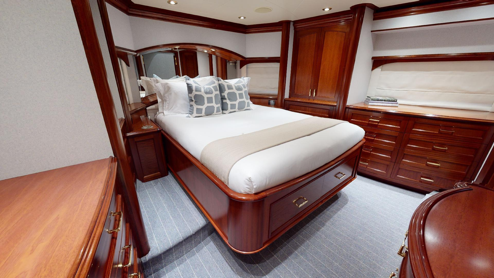 Crescent-Raised Pilothouse 2004-WONDER West Palm Beach-Florida-United States-VIP-1510019 | Thumbnail
