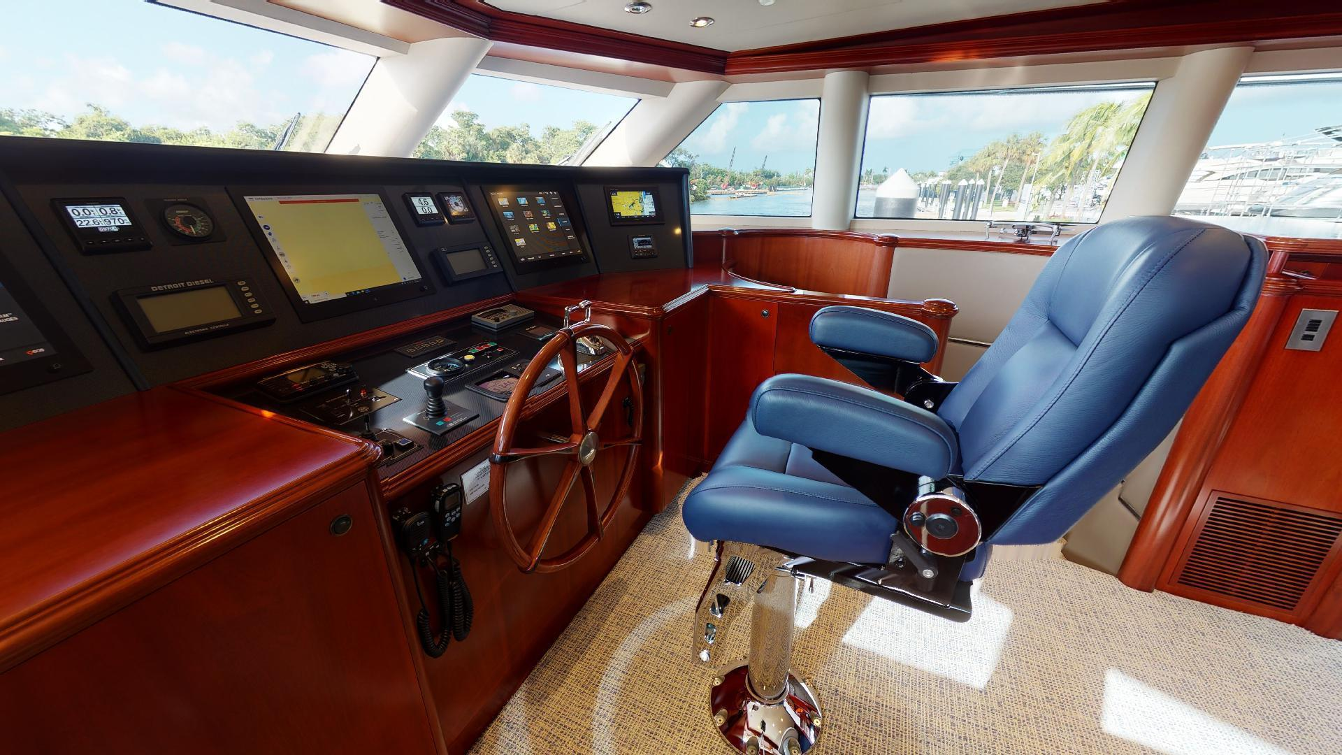 Crescent-Raised Pilothouse 2004-WONDER West Palm Beach-Florida-United States-1510015 | Thumbnail