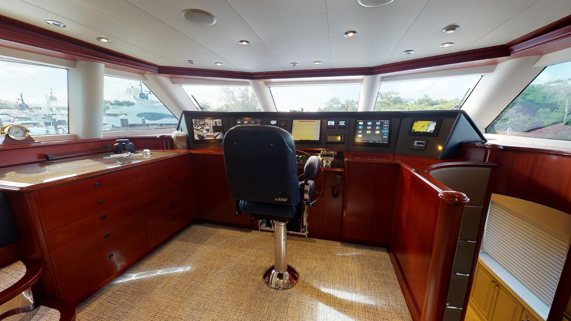 Crescent-Raised Pilothouse 2004-WONDER West Palm Beach-Florida-United States-1510018 | Thumbnail