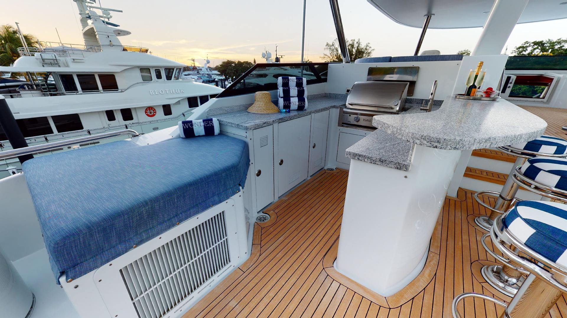 Crescent-Raised Pilothouse 2004-WONDER West Palm Beach-Florida-United States-1510008 | Thumbnail