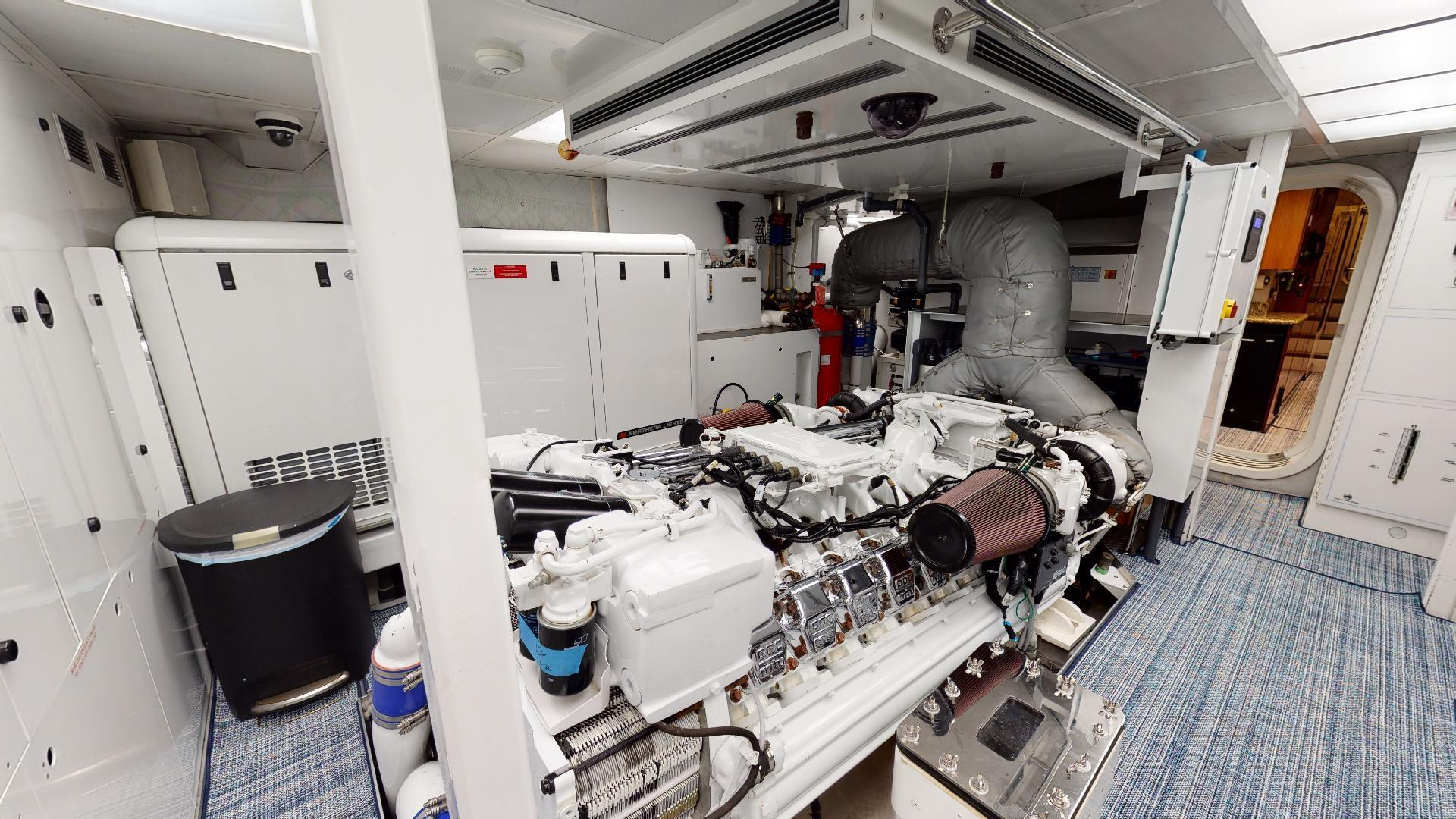Crescent-Raised Pilothouse 2004-WONDER West Palm Beach-Florida-United States-Engine Room-1510024 | Thumbnail