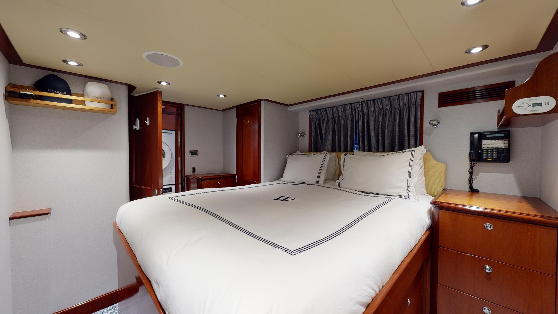 Crescent-Raised Pilothouse 2004-WONDER West Palm Beach-Florida-United States-Captains Cabin-1509984 | Thumbnail
