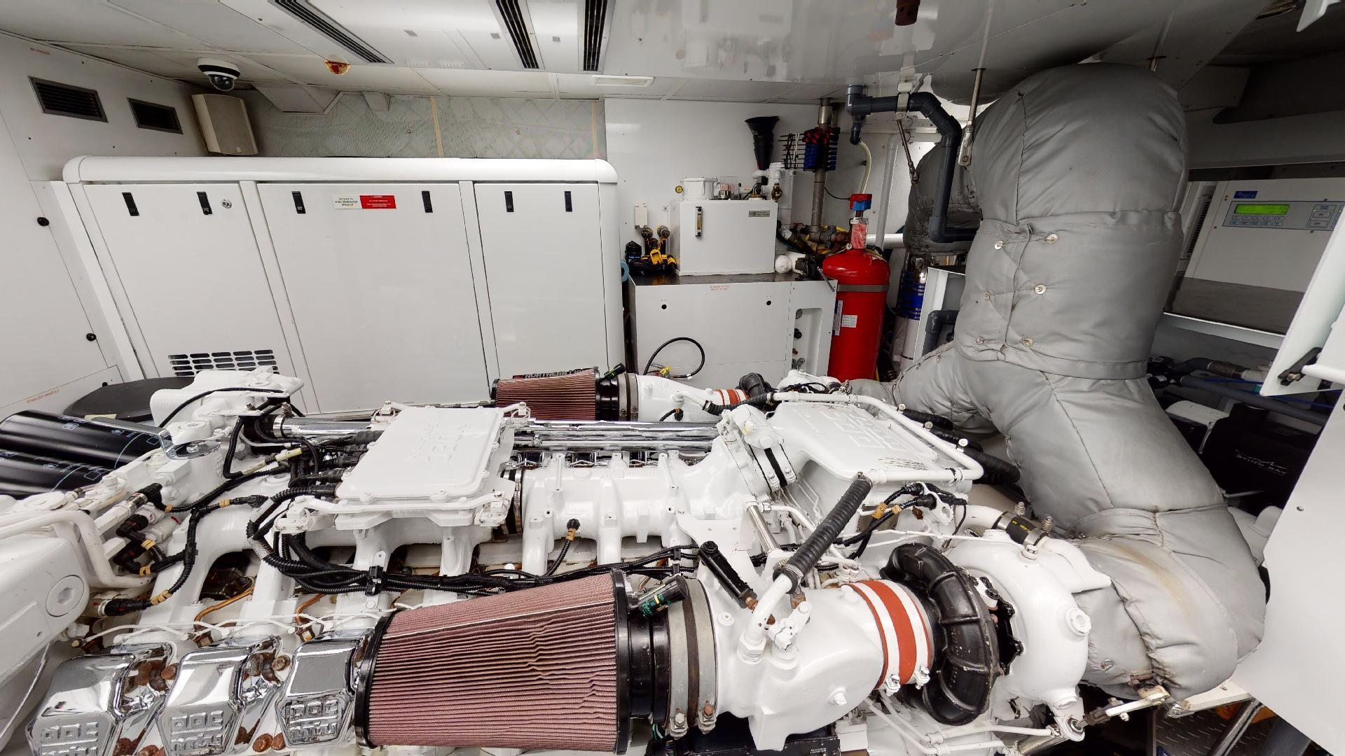 Crescent-Raised Pilothouse 2004-WONDER West Palm Beach-Florida-United States-Engine Room-1510022 | Thumbnail