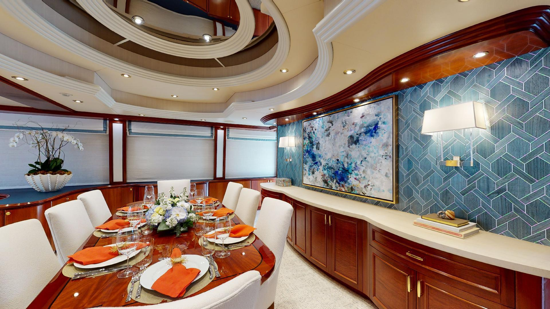 Crescent-Raised Pilothouse 2004-WONDER West Palm Beach-Florida-United States-Dining-1509982 | Thumbnail