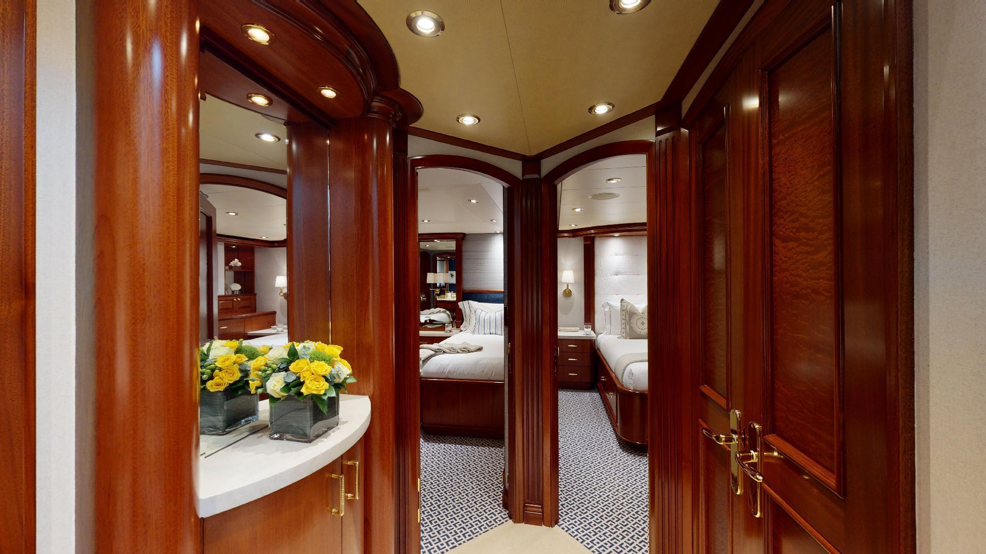 Crescent-Raised Pilothouse 2004-WONDER West Palm Beach-Florida-United States-Guest Foyer-1509993 | Thumbnail