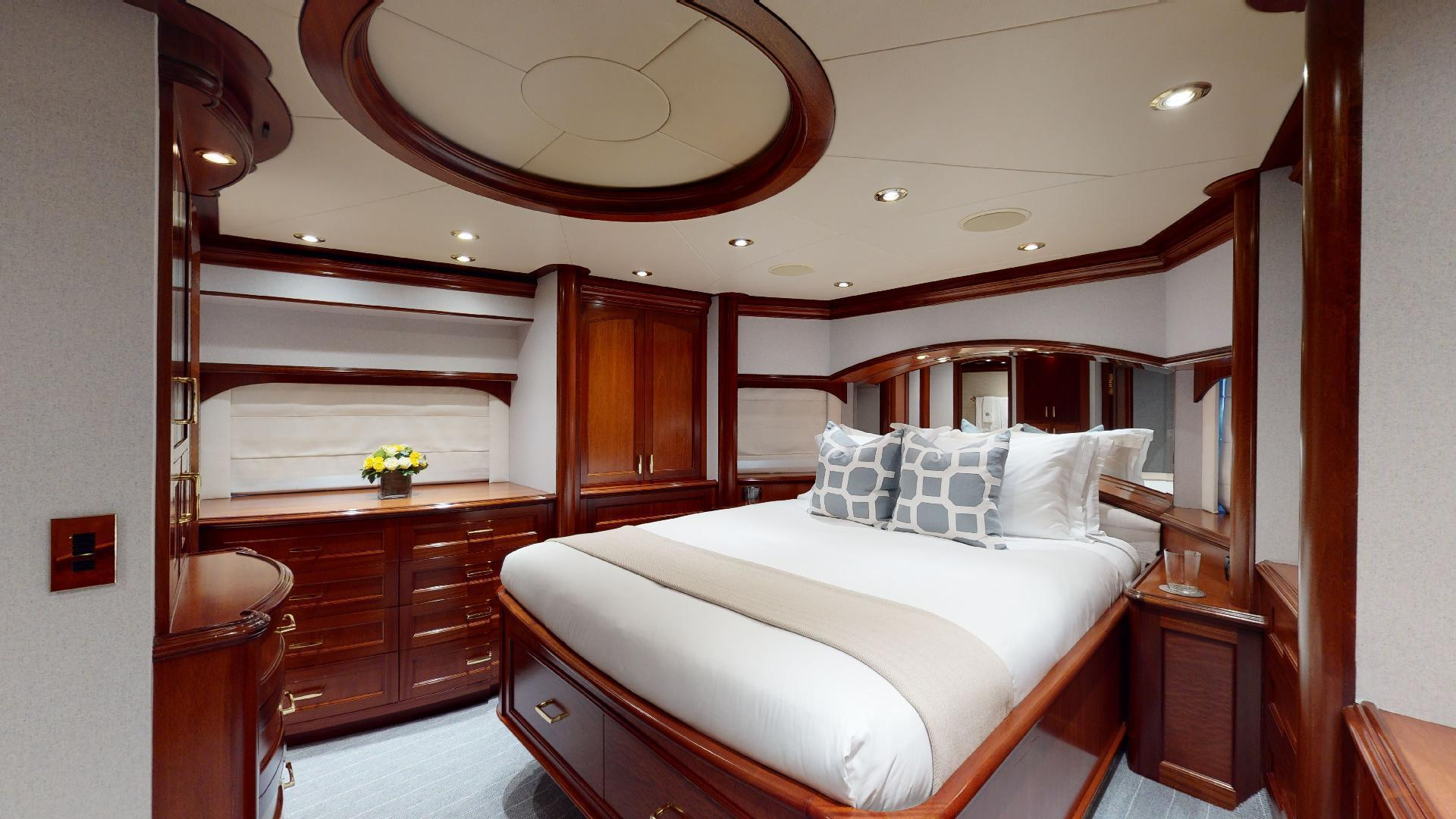 Crescent-Raised Pilothouse 2004-WONDER West Palm Beach-Florida-United States-VIP-1510020 | Thumbnail
