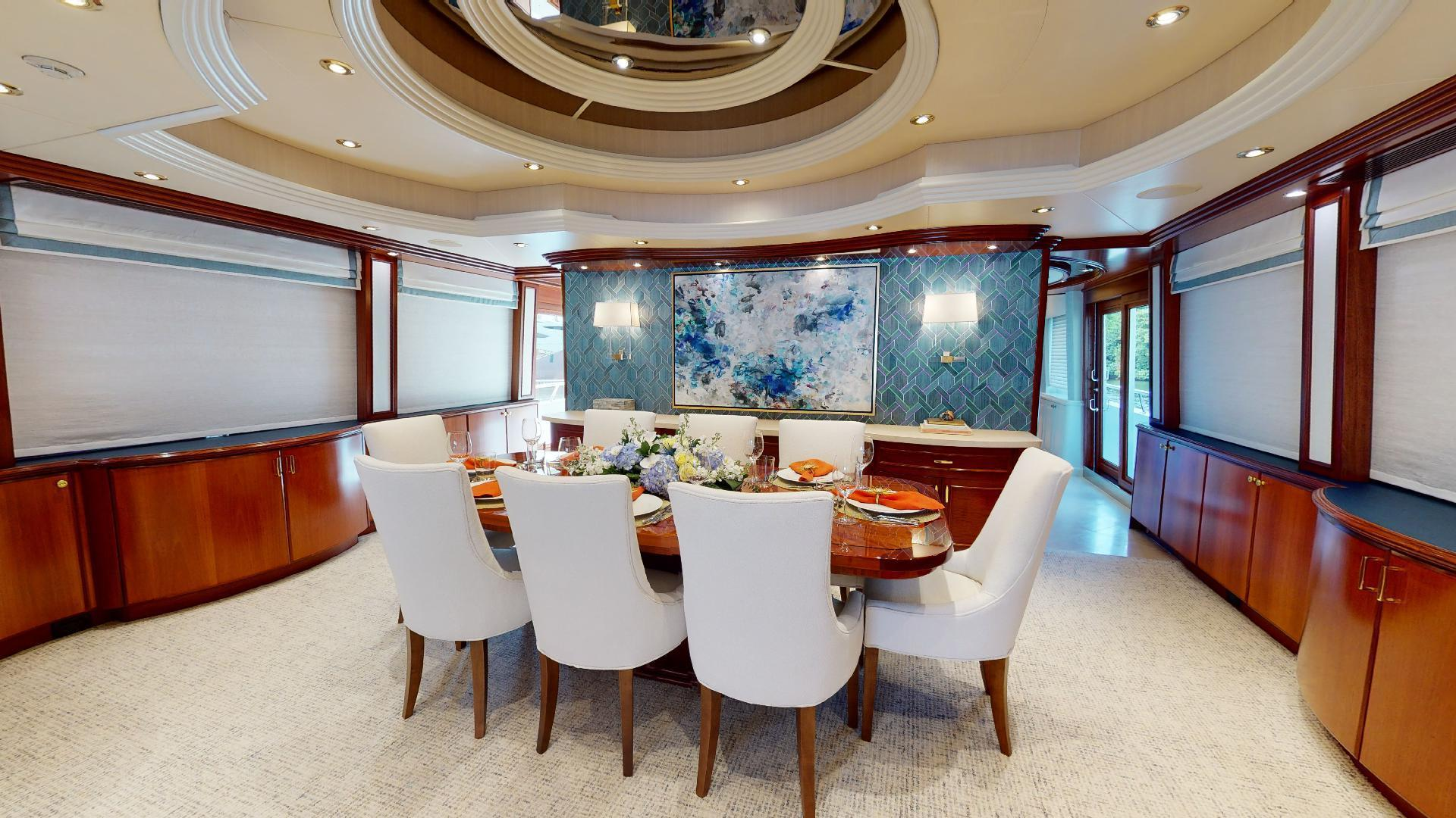 Crescent-Raised Pilothouse 2004-WONDER West Palm Beach-Florida-United States-Dining-1509987 | Thumbnail
