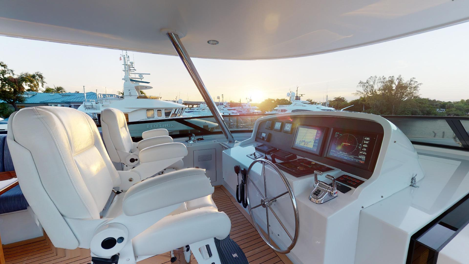 Crescent-Raised Pilothouse 2004-WONDER West Palm Beach-Florida-United States-1510013 | Thumbnail