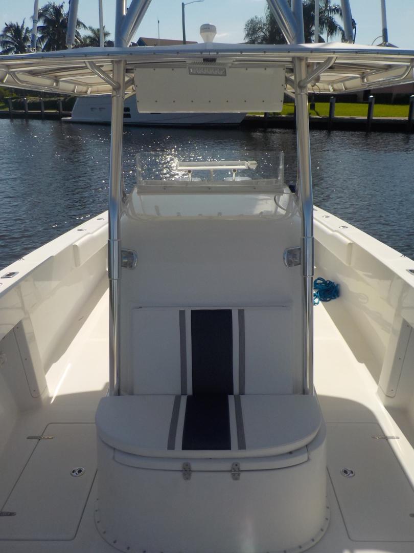 Venture-Center Console 1999-J Diesel Fort Lauderdale-Florida-United States-Forward Seating-1509632 | Thumbnail