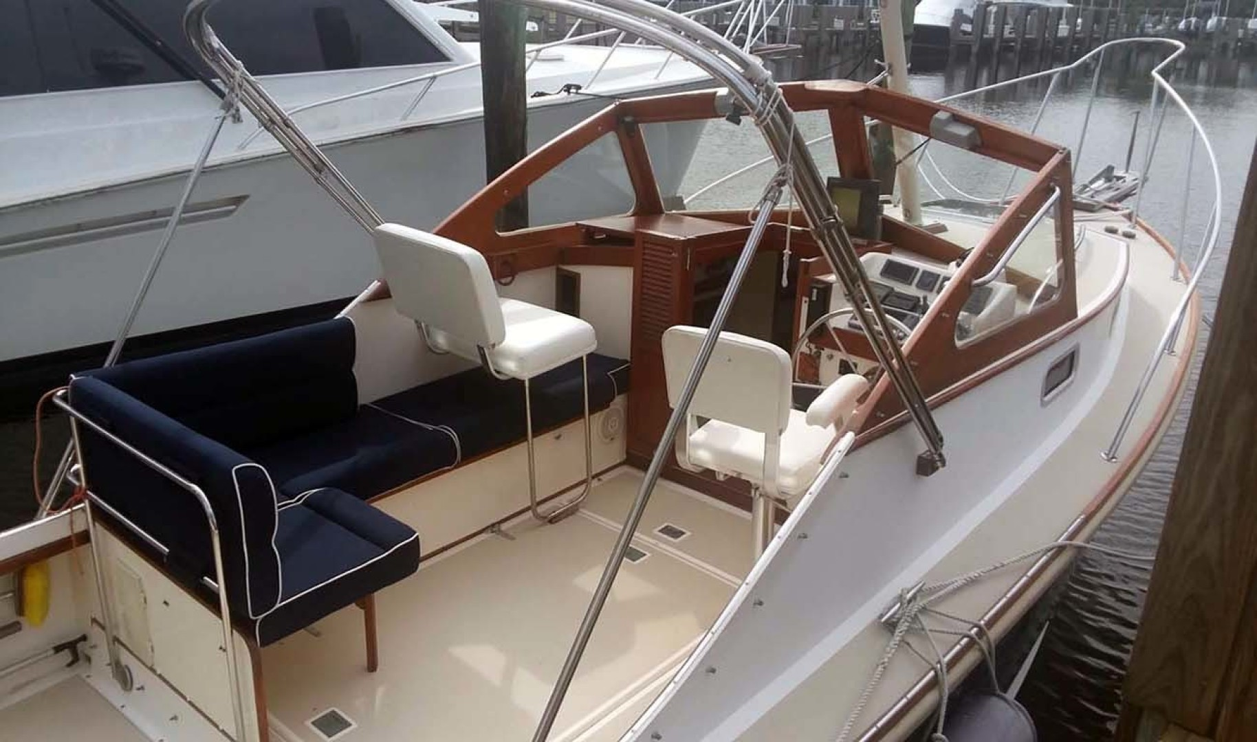Dyer-29 Trunk Cabin Soft Top 1999-Clear Call Vero Beach-Florida-United States-Seating-1509408 | Thumbnail
