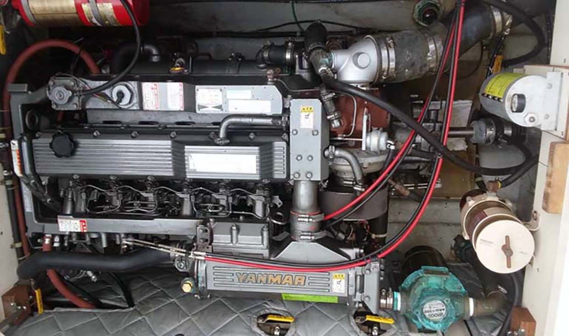 Dyer-29 Trunk Cabin Soft Top 1999-Clear Call Vero Beach-Florida-United States-Engine Room-1509410 | Thumbnail