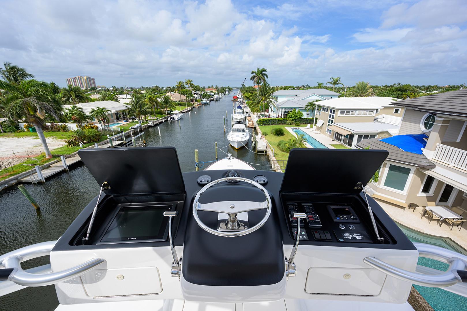 Viking-Enclosed Bridge 2016-LIVE OAK ONE Singer Island-Florida-United States-Tower -1510913   Thumbnail