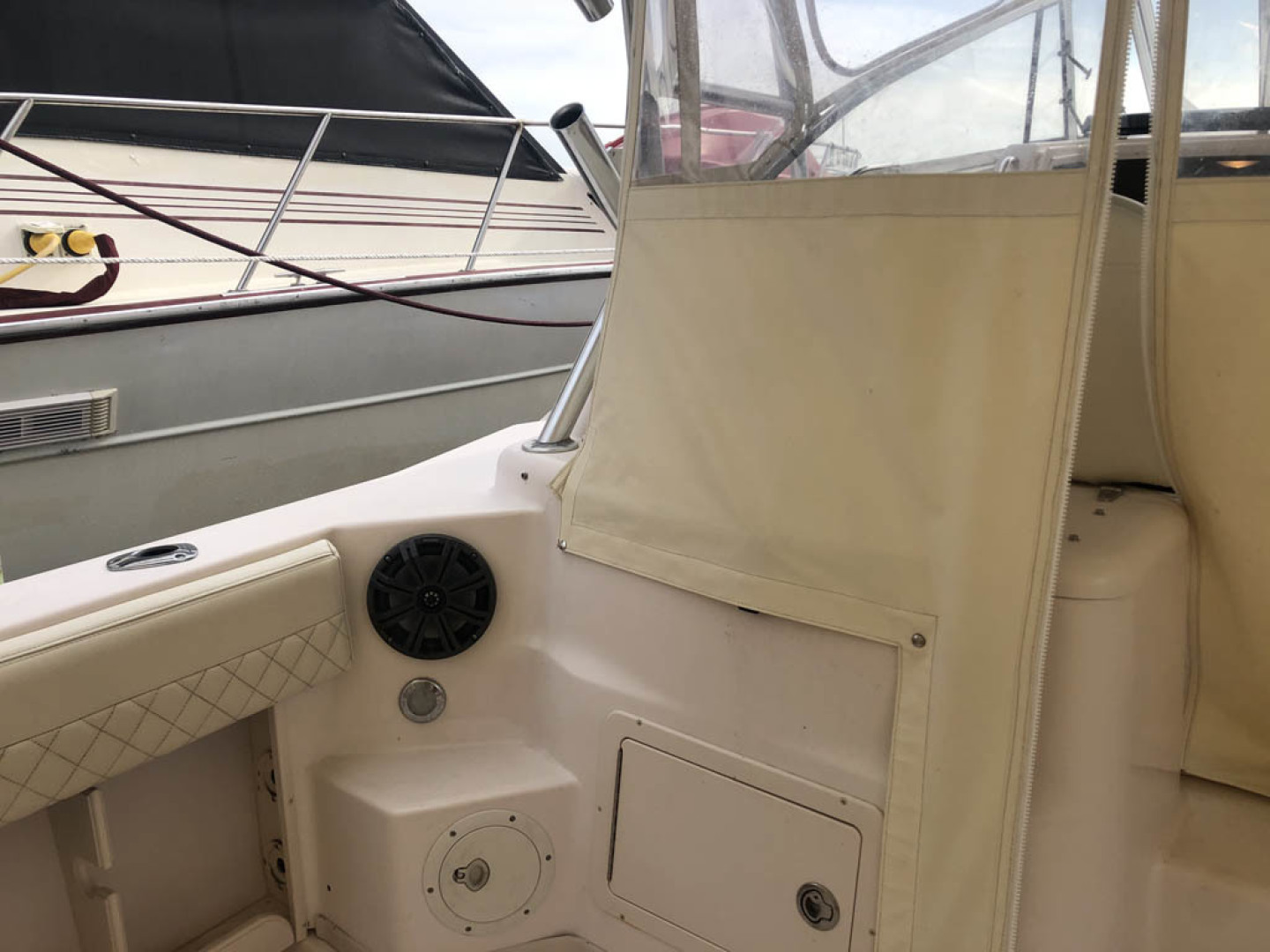 Grady-White-330 Express 2003-Lady L III Long Beach Township-New Jersey-United States-Cockpit Port Forward-1510591 | Thumbnail